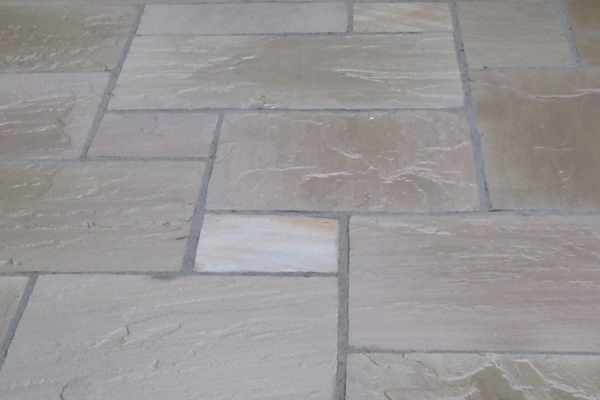 TUMBLED ANTIQUE SANDSTONE